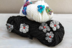 moveable flowers and soft squishy yarn